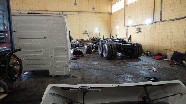 A Polícia Militar de São Paulo, desarticulou na tarde de segunda-feira (13), um desmanche clandestino de caminhões roubados em Mogi Mirim.