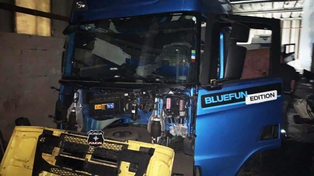 Dezenas de caminhões roubados são encontrados em desmanche clandestino em SP