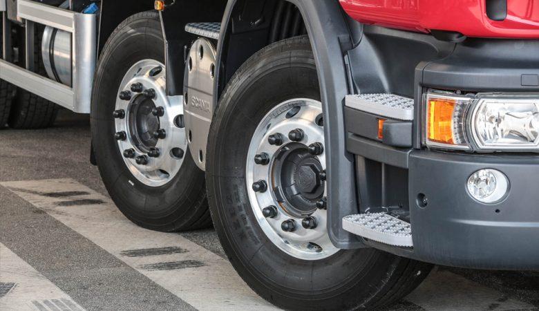 Governo zera imposto sobre importação de pneus para caminhões