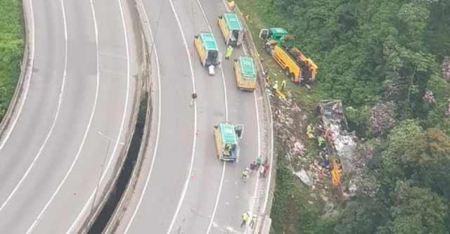 Ônibus poderia ter entrado em área de escape antes do acidente que vitimou 19 pessoas na BR-376