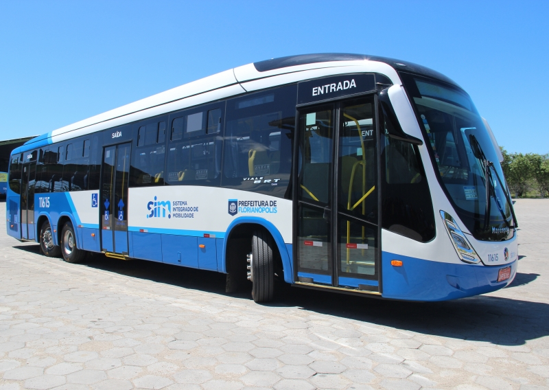 Ônibus com três eixos começa a circular no Norte da