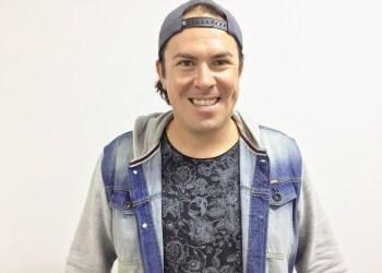 Júnior Bokaum apresenta o programa Viva a Tarde, às 14h