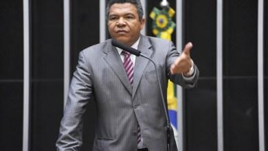 """Photo of """"ACM Neto não tem Secretaria de Combate à Pobreza, mas de combate aos pobres"""", diz Valmir"""