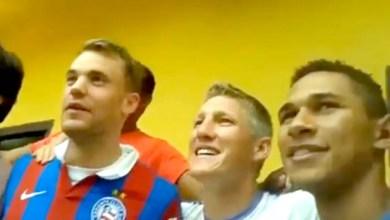 Photo of Vídeo: Schweinsteiger e Neuer vestem camisa e gritam 'Bahêa' em concentração