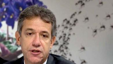Photo of Ministro nega irregularidades no Mais Médicos e fala em teoria da conspiração