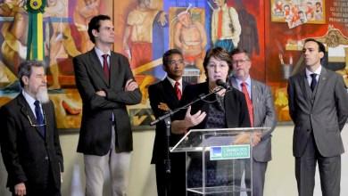 Photo of Senadores e deputados criticam os grupos que querem regime militar