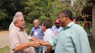 Photo of Valmir encontra com Lula em São Paulo e aponta avanços na luta pela terra