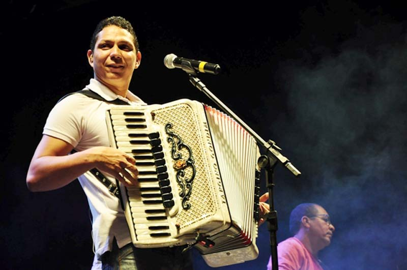 Targino Gondim faz homenagem à Chapada Diamantina, cita varias cidades e o cantor Hugo Luna