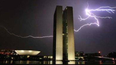 Photo of Brasil registra média de 78 milhões de raios por ano, diz Inpe