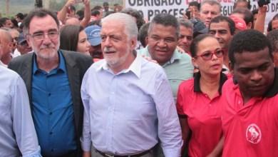 Photo of Bahia: Fazenda em Prado vira assentamento e ministro garante regularizar todas as famílias acampadas