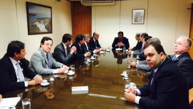 Photo of Ministro Eduardo Braga garante fundo de energia à bancada nordestina