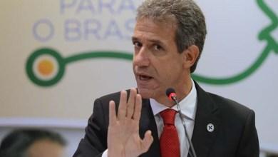 Photo of Dilma demite ministro da Saúde por telefone nesta terça; pasta deve ir para o PMDB