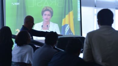 Photo of Dilma anuncia a redução de oito ministérios, corta 3 mil cargos comissionados e reduz salários de ministros