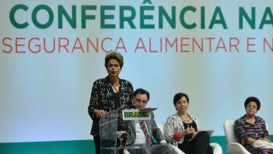 Photo of Dilma defende programas sociais e garante que Bolsa Família não será reduzido