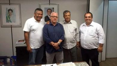 Photo of Chapada: Políticos buscam mais investimentos para Iramaia durante reunião com secretário