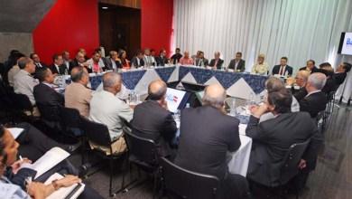 Photo of Rui reúne secretários, cobra contenção de gastos e garante manutenção dos serviços