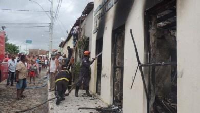 Photo of Chapada: Incêndio criminoso destrói prédio antigo da Secretaria de Educação em Boa Vista do Tupim