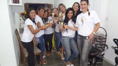 Photo of Social: Familiares e amigos brindam com Adriana Rodrigues a inauguração do Centro de Beleza 'Piu Bella'