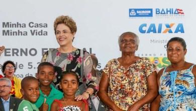 """Photo of """"Querem chegar, sentar na minha cadeira, mas sem voto"""", diz Dilma em Salvador"""