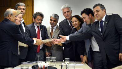 Photo of Senadores acusam Anastasia de assinar decretos iguais aos que pedem impeachment