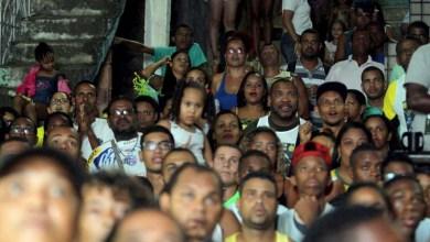 Photo of Salvador: Alunos de boxe da Base Comunitária de São Caetano festejam ouro de Robson Conceição