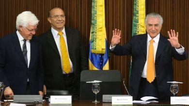 Photo of Temer é novamente denunciado pela PGR por organização criminosa e obstrução de Justiça