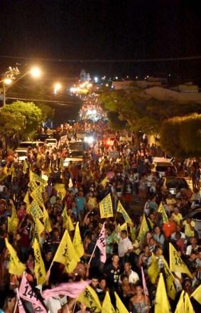 mais-de-10-mil-pessoas-comparece-no-ato-politico-da-ultima-sexta-feira-foto-divulgacao
