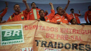 Photo of Câmara Federal derruba obrigatoriedade da Petrobras e entrega o pré-sal às multinacionais