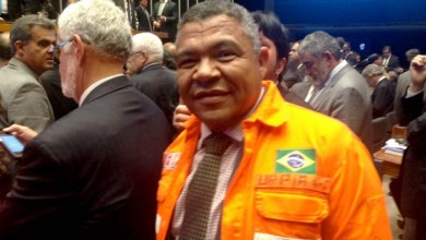 Photo of Governo golpista entrega o pré-sal às multinacionais, dispara Valmir