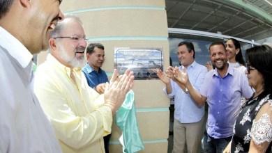 Photo of Rui entrega Central de Videomonitoramento, unidade de saúde, pavimentação e assina convênios em Capim Grosso