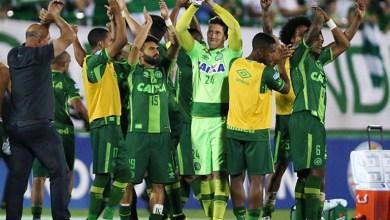 Photo of Acidente aéreo com equipe da Chapecoense é um dos maiores da história do futebol