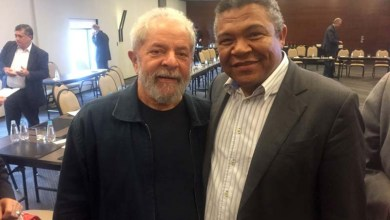 Photo of Lula se reúne com bancada do PT; Valmir cobra unidade da sigla no país