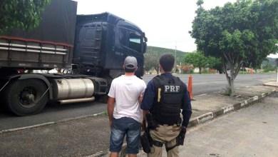 Photo of Chapada: Adolescente é flagrado pela PRF dirigindo carreta com quase 32 toneladas de milho
