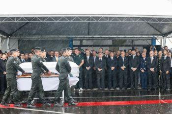Chapecó - Cerimônia em homenagem às vítimas do acidente com avião da Chapecoense. ( Beto Barata/PR)