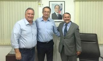 Ivan Soares com o deputado federal Ronaldo Carletto | FOTO: Divulgação |