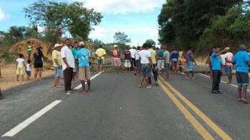 Manifestação na BR - 242 - na altura de Lençóis - FOTO Divulgação10