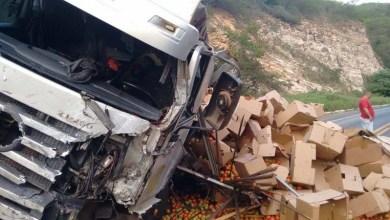 Photo of Chapada: Acidente entre caminhão e van deixa quatro mortos na região de Seabra