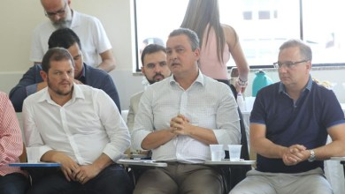 Photo of Rui Costa discute consórcios em saúde e infraestrutura com 29 prefeitos baianos