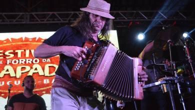 Photo of Chapada: Gonzagão é o grande homenageado na segunda noite do Festival de Forró em Mucugê