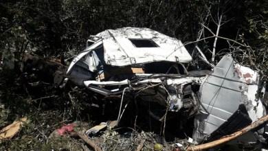Photo of Chapada: Carreta carregada de minério tomba na BA-142 entre Barra da Estiva e Ituaçu