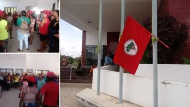 Photo of Chapada: MST ocupa prefeitura de Boa Vista do Tupim e cobra execução de pauta entregue ao gestor