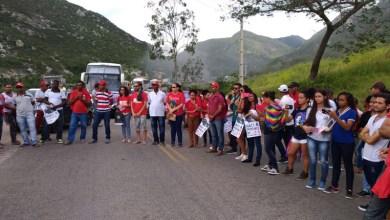 Photo of Chapada: Manifestação em favor da democracia e contra prisão de Lula é realizada em Jacobina