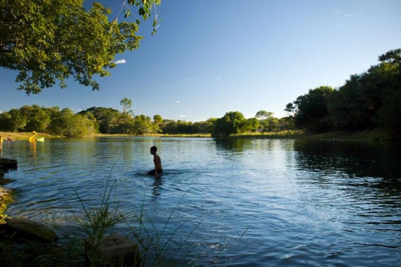 Chapada: Autorização para captar milhões de litros por dia em rio ameaça abastecimento