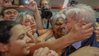Photo of #Vídeo: Lula passa segunda noite no sindicato paulista e manifestações explodem pelo país