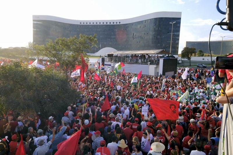 #Eleições2018: PT registra candidatura de Lula para a Presidência da República