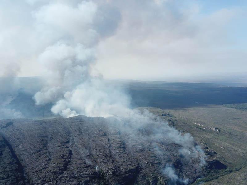Incêndio destrói área equivalente a quase 3 mil campos de futebol no Parque Nacional da Chapada Diamantina