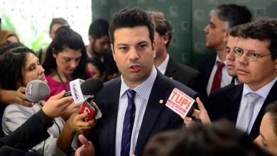 Photo of Ex-ministro do Esporte Leonardo Picciani é parado na Lei Seca e não poderá dirigir por um ano