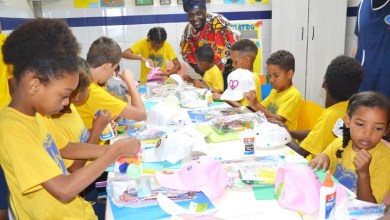 Photo of Americanos em intercâmbio desenvolvem oficinas que valorizam a cultura afro com crianças da LBV