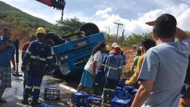 Photo of Chapada: Caminhão carregado com cerveja tomba na BA-148 próximo a Rio de Contas