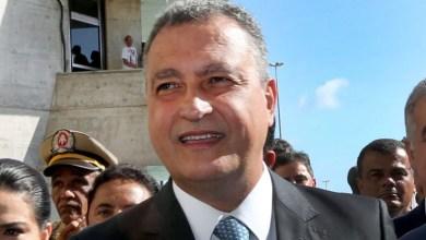"""Photo of """"Eu sempre torço para o Brasil"""", afirma Rui Costa sobre Bolsonaro na chegada para posse na Alba"""